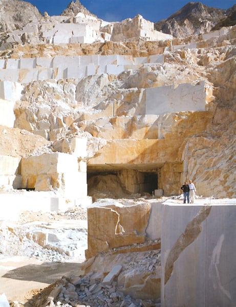 3d kunst in marmor ihre skulptur carrara marmor for Sofatisch marmor