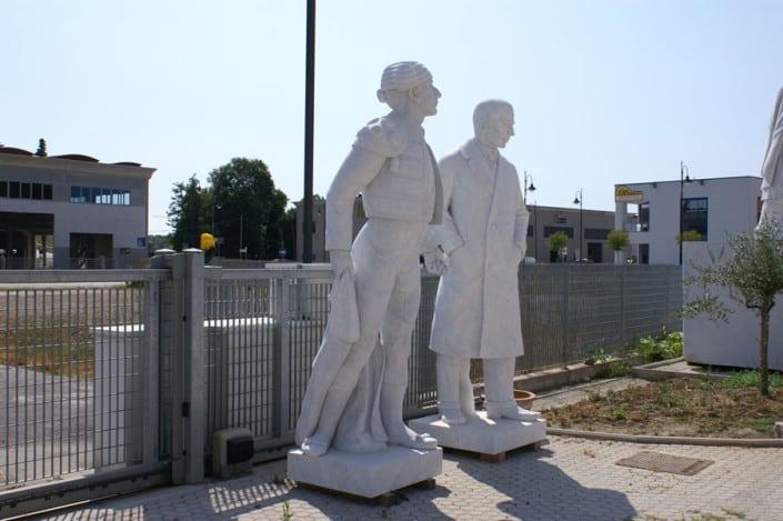 XXL 3D - Großfiguren und Riesenobjekte, Ihre individuelle Büste oder Skulptur lebensgroß, eins zu eins 1:1 xxl-Figuren Skulpturen Marmor Carrara 3D Culture 5-achs-Fräse faszinierendes Erlebnis, Menschen als Büste oder Skulptur in der 3. Dimension zu erleben, Lebensbereiche Privat, Beruf oder Hobby, 3D Culture - das ist eine Kombination aus Tradition und Innovation. Aus Kultur und Hightech, xxl-Figuren Skulpturen Pietrasanta Italien