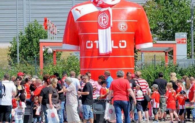 Fußball 3D-XXL Objekte, Sport Event gigantisch 3D, Dekoration in xxl, Werbefiguren lebensgroß 3D-Figuren extrem groß